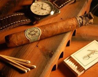 Как правильно курить сигару?